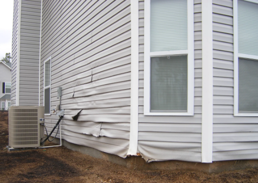 Vinyl Siding repair. Siding Repair in Toronto.